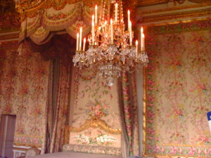 An example of the extravagant decor of Versailles. Photo credit: L. Tripoli