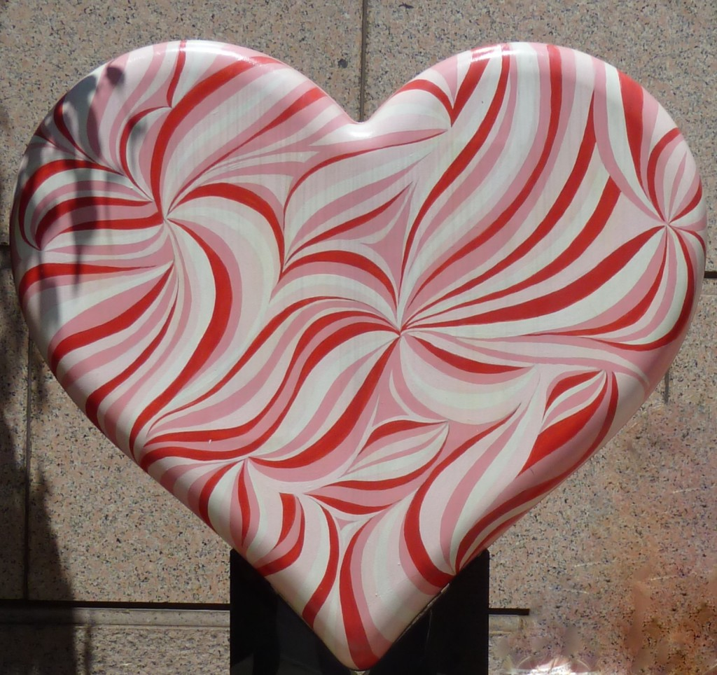 Swirling heart street sculpture, Chicago Photo credit: M. Ciavardini
