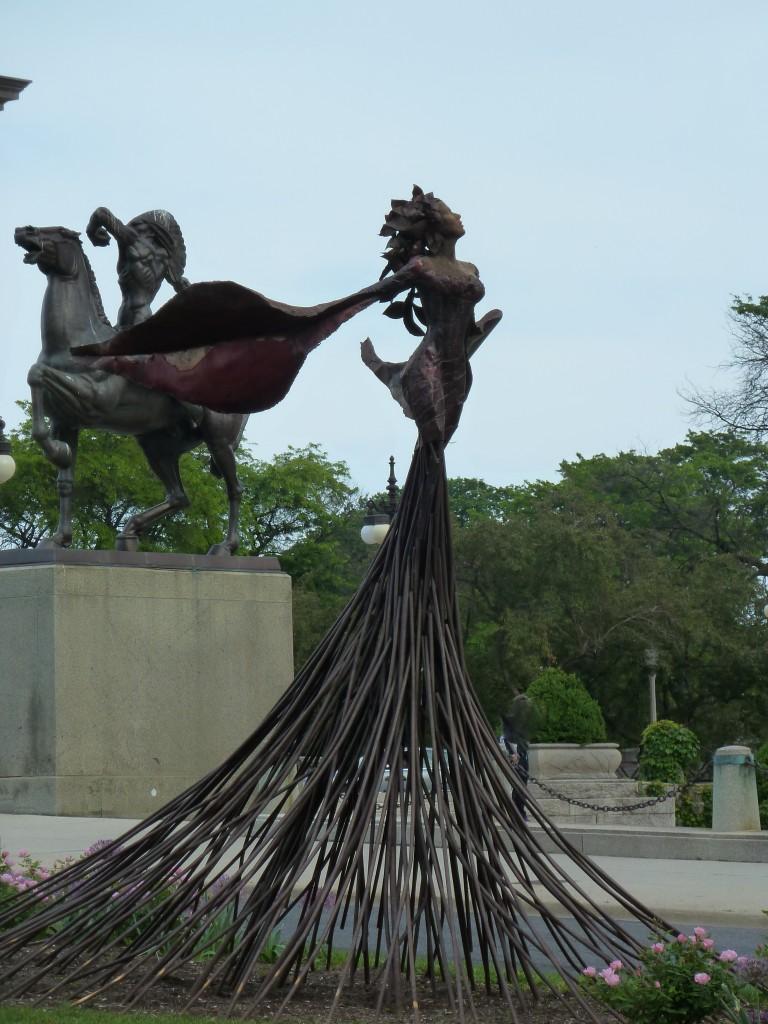 Yin and yang at the entrance to Grant Park, Chicago Photo credit: M. Ciavardini