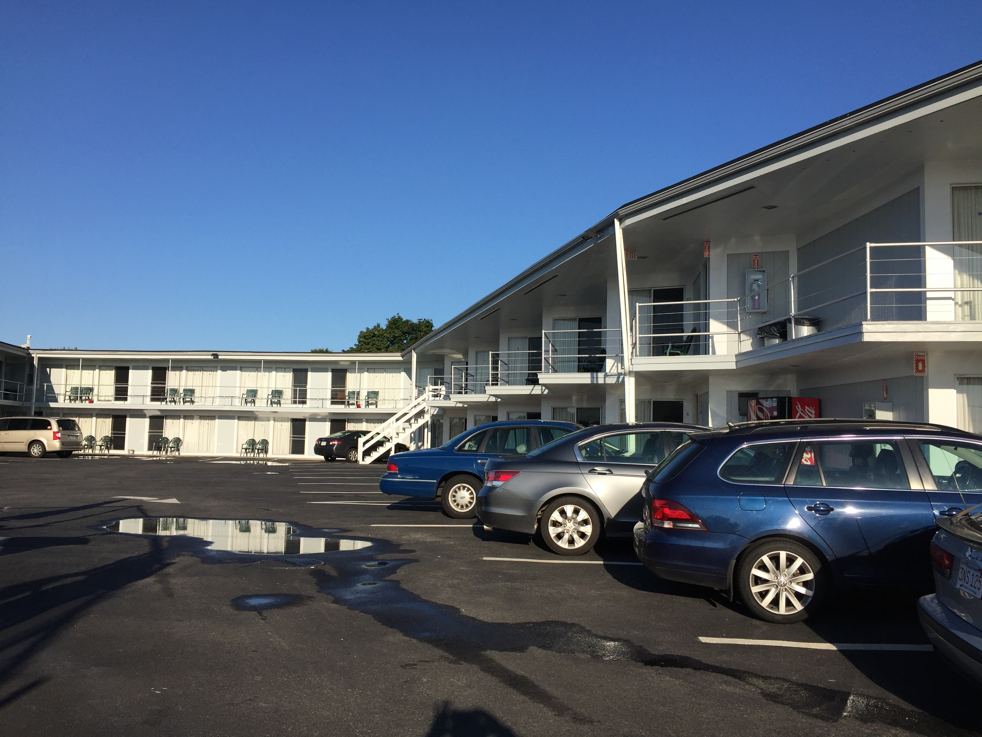 Parking and staying are equally easy at the Hyannis Holiday Motel on Cape Cod, Mass. Photo credit: M. Ciavardini