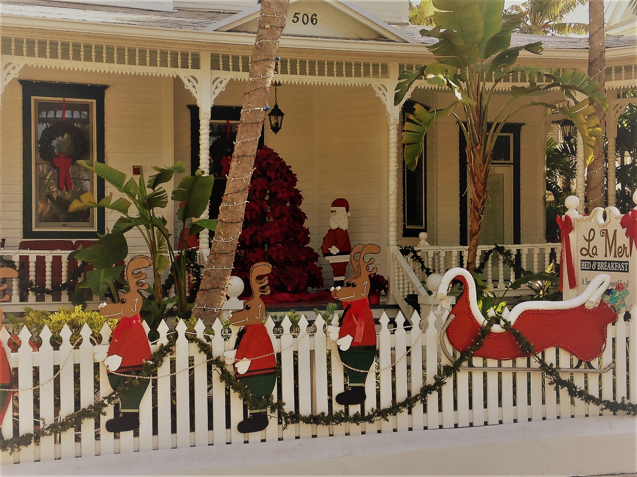 La Mer Bed And Breakfast, A Part Of The Southernmost Hotel, Mixes Holiday  Charm
