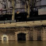 Climate change: A rising river Seine causes a few inconveniences for tourists in Paris. Photo credit: M. Ciavardini.