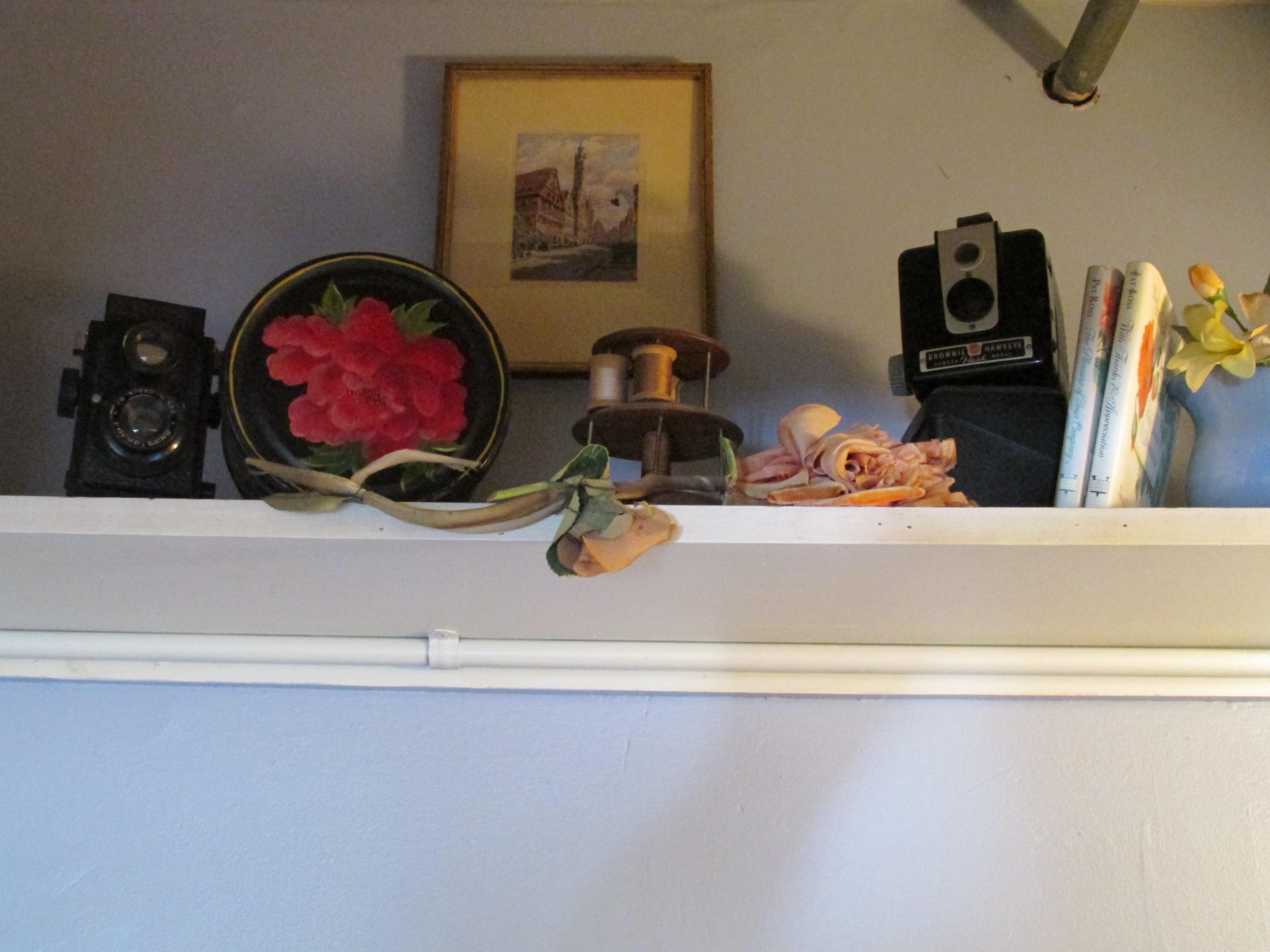 Newport-Yankee-Peddler-Inn-front-desk-M-Ciavardini.jpg